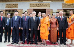 Tổng Bí thư thăm Đại Tăng thống Tep Vong và Bukri của Campuchia