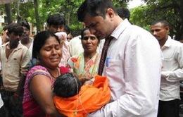 Tranh cãi về nguyên nhân tử vong của 60 trẻ em Ấn Độ