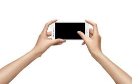Cuộc chiến chụp ảnh selfie trên smartphone: Nóng hết bao giờ hết