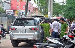 TP.HCM: Rộ chiêu dàn cảnh xe bị thủng lốp để trộm tiền