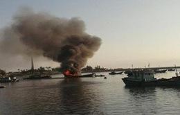 Phú Yên: Cháy tại cảng cá Tiên Châu, 7 tàu bị hư hại