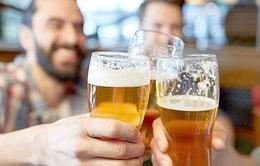 Nguy cơ teo não dù uống rượu ở mức vừa phải