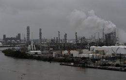 Giá xăng tại Mỹ tăng nhanh do siêu bão Harvey