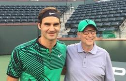 Roger Federer ra sân thi đấu cùng… tỷ phú Bill Gates