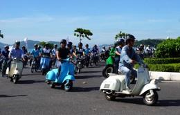Diễu hành ô tô và mô tô cổ chào mừng Festival biển Nha Trang