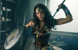 Chán làm Wonder Woman, Gal Gadot hóa trang thành Batman