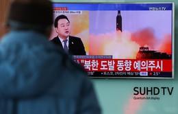 Triều Tiên bắn tên lửa: Tổng thống Trump tuyên bố ủng hộ Nhật Bản 100%