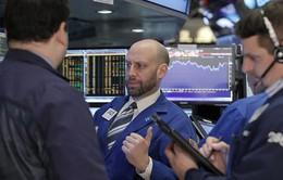 Thị trường chứng khoán Mỹ chứng kiến làn sóng rút vốn dài nhất kể từ năm 2004