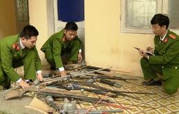 Người dân Thanh Hóa giao nộp 200 súng tự chế