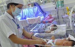 Cần Thơ: Cứu sống 2 trẻ sinh non nặng dưới 800g kèm suy hô hấp nặng