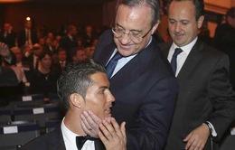 """""""Bố già"""" Florentino Perez: Cris Ronaldo đang là người của Real Madrid"""