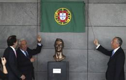"""Ngỡ ngàng với tiết lộ gây sốc từ tác giả bức tượng C.Ronaldo """"thảm họa"""""""