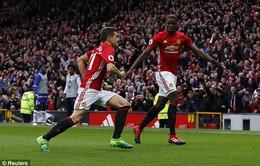 VIDEO Herrera ghi bàn may mắn, nhân đôi cách biệt cho Man Utd