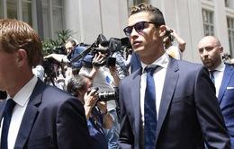 """Ronaldo nguy cơ hầu tòa vì """"quên"""" đóng 8 triệu Euro tiền thuế"""