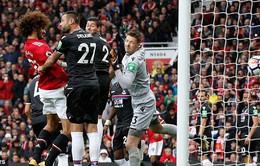 """VIDEO Fellaini lập cú đúp, Man Utd """"huỷ diệt"""" Crystal Palace trên sân khách"""