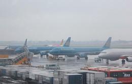 Các hãng hàng không điều chỉnh lịch bay do ảnh hưởng của bão số 4