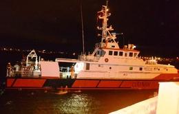 Cứu nạn thuyền viên bị ho và nôn ra nhiều máu trên biển
