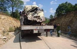 Xe chở khách đi lễ mất lái, 2 người chết, 27 người bị thương