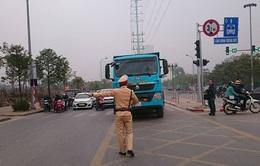 Ra quân xử phạt hành vi lấn làn xe bus nhanh BRT