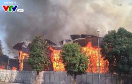 Hà Nội: Cháy lớn tại khu đất 700m2 gần khu biệt thự đường Võ Chí Công