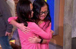 Nhờ Facebook, cặp song sinh gặp lại nhau sau 10 năm thất lạc
