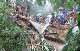 Khẩn trương tìm kiếm nạn nhân mất tích do mưa lũ ở phía Bắc