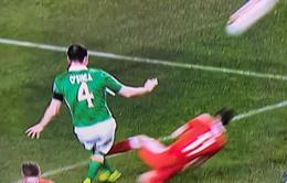 Vào bóng ác triệt hạ với cựu sao Man Utd, Gareth Bale bị gọi là đồ hèn nhát