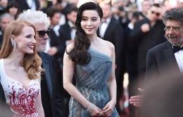 Phạm Băng Băng hút mắt với váy xuyên thấu trên thảm đỏ bế mạc Cannes 2017