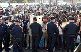 Pháp di dời 2.500 người nhập cư khỏi lán trại tạm bợ