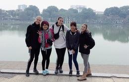 Phóng viên CNN: Trải nghiệm Hà Nội cùng các tình nguyện viên thật tuyệt vời!