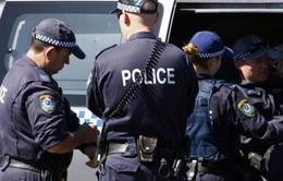 Australia bắt 2 nghi phạm buôn vũ khí và ma túy