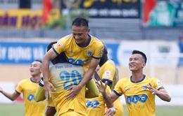Vòng 23 V.League 2017: Thắng Long An, FLC Thanh Hóa trở lại ngôi đầu