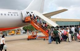 Các hãng hàng không đồng loạt tăng phí