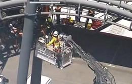 Giải cứu 20 người mắc kẹt trên tàu lượn siêu tốc tại Australia