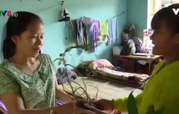 Những món quà ấm áp nhân ngày 20/11 ở vùng lũ miền núi Quảng Nam