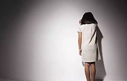 Khơi gợi, đề cập nhiều về xâm hại tình dục có thể khiến nạn nhân thêm tổn thương