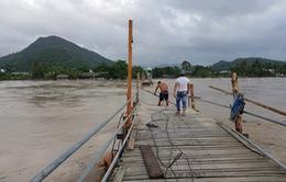 Cầu gỗ Phú Kiểng (Nha Trang) lại bị cuốn trôi sau 5 ngày thông xe