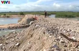 Doanh nghiệp ngang nhiên ngăn sông Ba xây đường chở cát