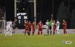 VIDEO: Đánh nguội Tuấn Tài, Sjahbandi bị đuổi khỏi sân