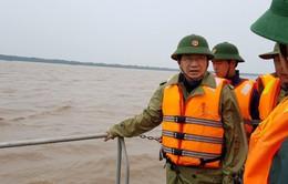 Phó Thủ tướng Trịnh Đình Dũng kiểm tra công tác ứng phó bão số 16
