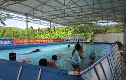 """Lâm Đồng mang """"bể bơi di động"""" đến từng trường học vùng sâu Đạ Tẻ"""