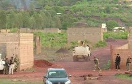 Vụ tấn công khu nghỉ dưỡng ở Mali: Giải cứu hàng chục du khách