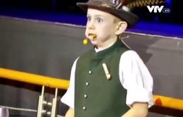 """""""Tròn mắt"""" trước tài năng của ảo thuật gia nhỏ tuổi nhất nước Đức"""