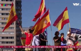 Catalonia chìm trong nguy cơ hỗn loạn và đối đầu