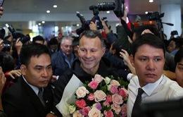 2 huyền thoại của MU Ryan Giggs và Paul Scholes đã đến Việt Nam