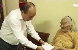 Thủ tướng Chính phủ thăm Mẹ Việt Nam anh hùng tại Quảng Bình