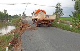 Sạt lở nghiêm trọng trên đoạn đường dọc kênh T1 ở Tân Hưng, Long An