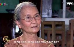 Cụ bà 68 tuổi cần mẫn đan áo cho các chiến sĩ Trường Sa