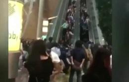 Bắt giữ 2 kỹ thuật viên làm thang cuốn đảo chiều ở Hong Kong (Trung Quốc)