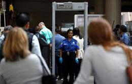 Mỹ sẽ cấm mang thiết bị điện tử cỡ lớn lên máy bay